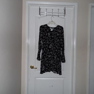 Dresses & Skirts - USED Black Flowy Button Flower Longsleeve Dress